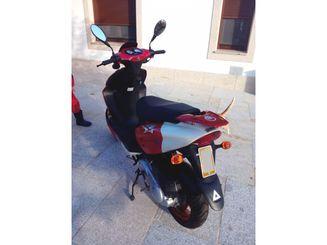 AIYUMO YOUNG 50 Rojo 2009 800 kms A Coruña lleno