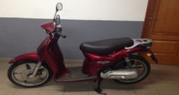 APRILIA Scarabeo 50 2t Rojo oscuro 2000 5000 kms Madrid